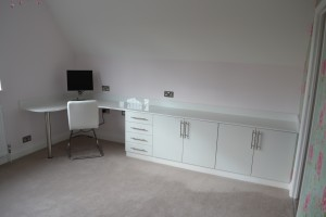 High gloss curved desk with sideboard