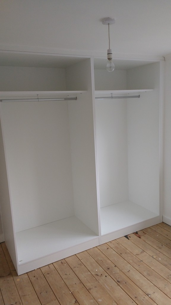 Cabinet awaiting sliding doors